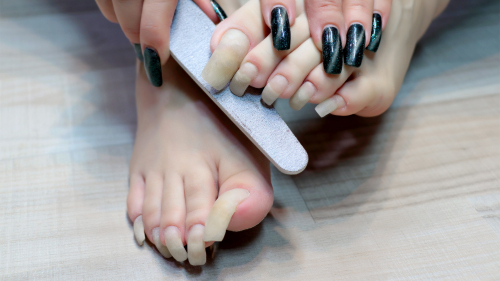 I do a pedicure of long nails (photo session)
